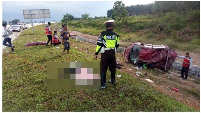 Kecelakaan di Tol Palembang-Lampung, Mobil Terbalik dan Tubuh Manusia Bergelimpangan