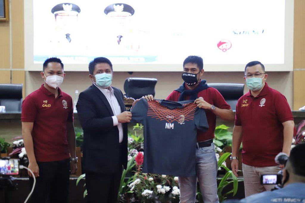 Gandeng Nilmaizar, Herman Deru Bawa SFC Melaju ke Liga Satu