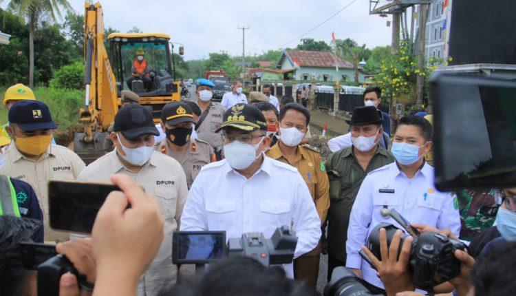 Bupati Dodi Reza Boyong Anggaran Pusat Bantu Petani Ditengah Pandemi
