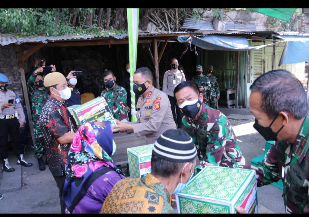 Kapolda Sumsel dan Pangdam II/Sriwijaya Kembali Berikan Bantuan