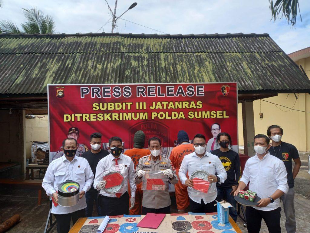 Oknum Polri Jadi Pengelolaan Arena Judi Sabung Ayam Ditangkap