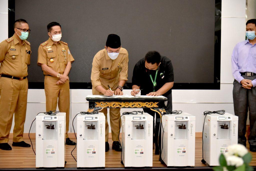 GoTo (Gojek – Tokopedia) Indonesia Memberikan 5 Oksigen Konsentrator Untuk Rumah Sakit Kota Palembang