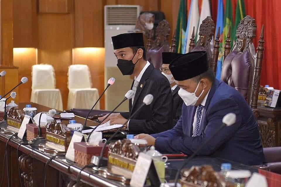 Penyampaian Pendapat Akhir Fraksi-Fraksi DPRD provinsi Sumsel terhadap Raperda LKPJ APBD Tahun 2020
