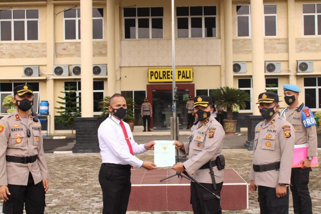 Polres Pali Berikan Penghargaan Kepada Anggota Ditreskrimsus Polda Sumsel