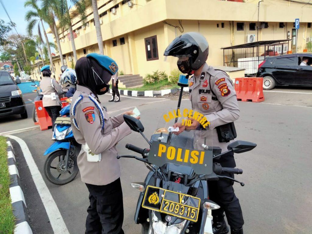 Tingkatkan Kedisiplinan Periksa Kelengkapan Surat Kendaraan ASN Polri dan Anggota Polri