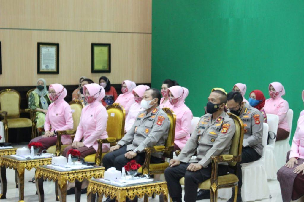 Kapolda Sumsel dan Ketua Bhayangkari Hadiri HKGB ke-69 Secara Virtual