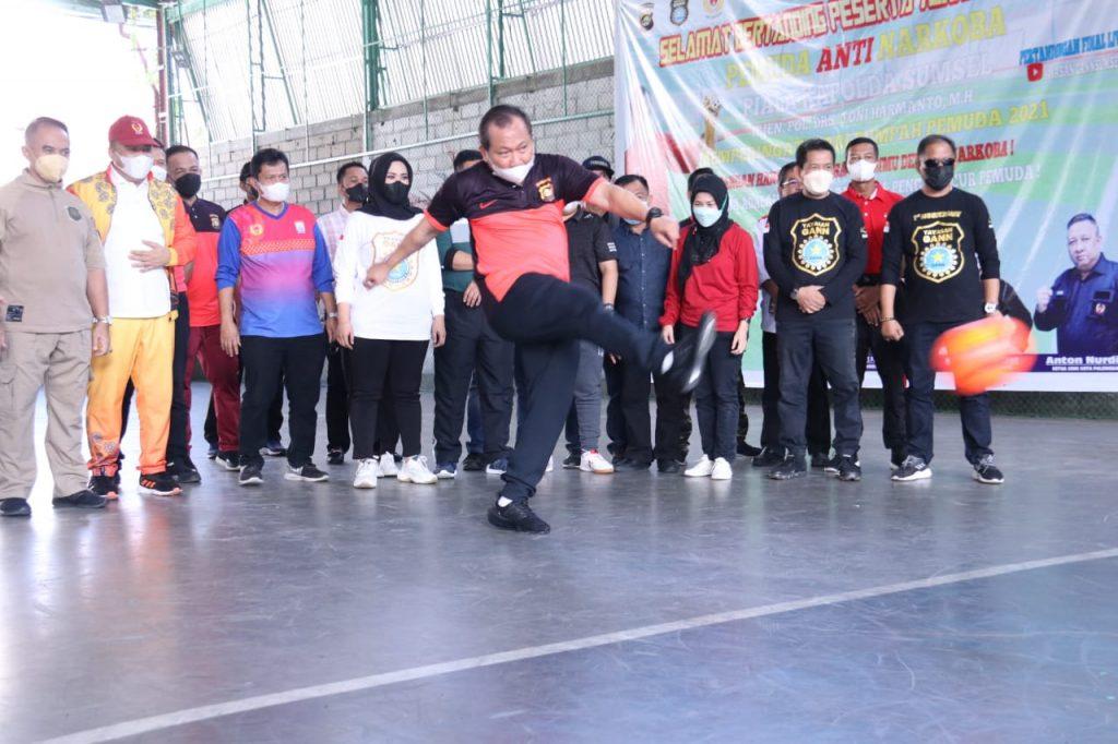 Kapolda Sumsel Kampanyekan Bahaya Narkoba di Pembukaan Turnamen Futsal